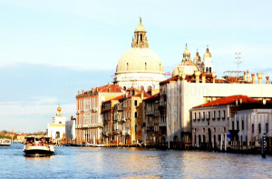 Crossing Venice 001